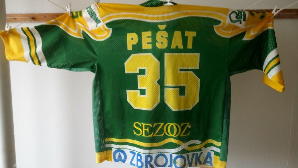 Originální dres Ivo Pešata ze sezóny 94 95 ve Vsetíně 184bc808eb